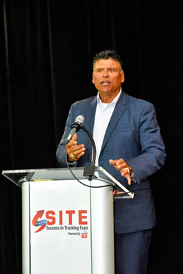 SITE2019-munoz-speaking-1